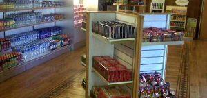 Salah satu sudut mini market yang berada di KMP Port Link. Sumber: Liputan6.com